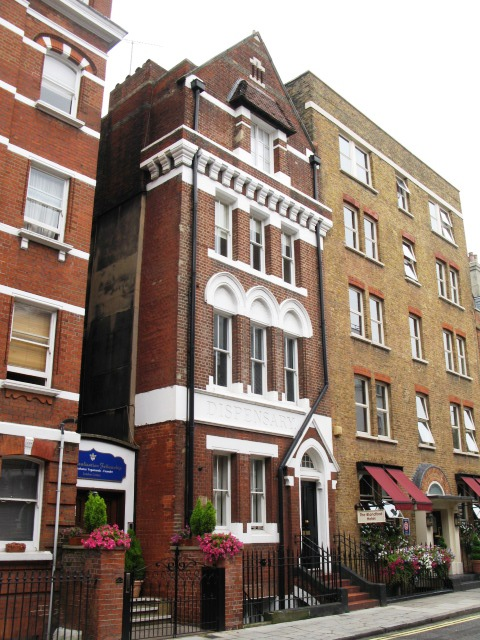 Former dispensary in Chiltern Street, W1