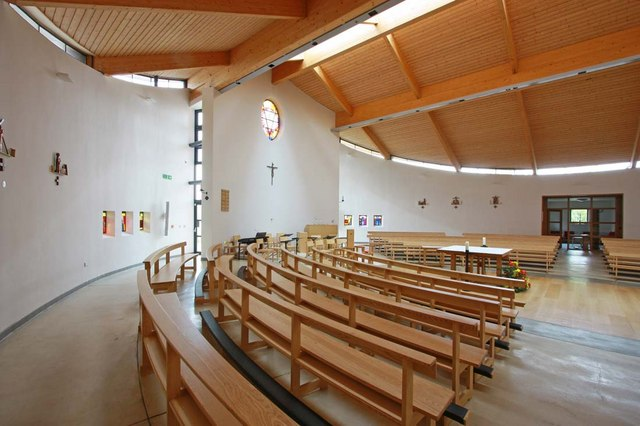 Our Lady & St Vincent, Mutton Lane, Potters Bar, Herts - Interior