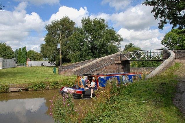 Cruising the Macclesfield canal