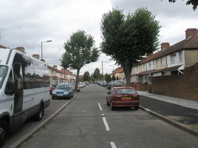 Looking northwards up Cherry Avenue