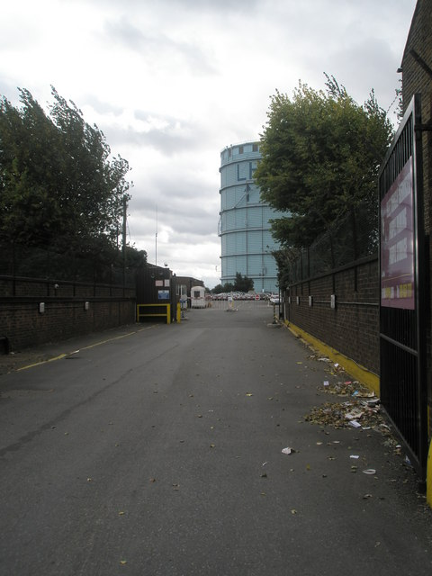 Looking towards the gasometer from the business park in Beaconsfield Road