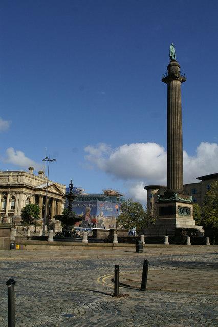 Court House, Steble Fountain, and Wellington's Column