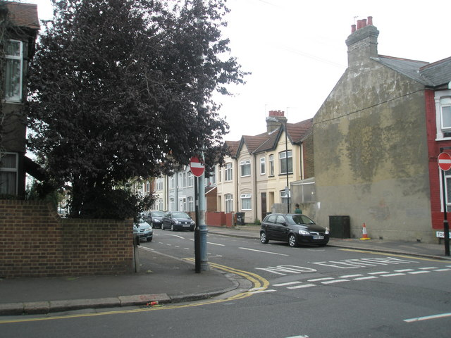 Junction of Beaconsfield and Townsend Roads