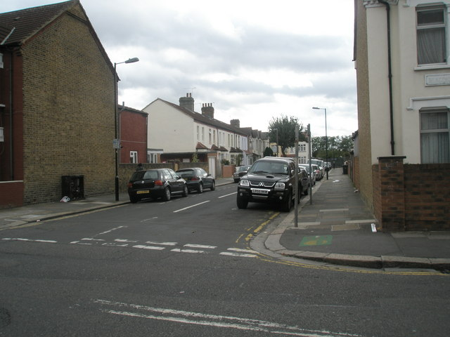 Junction of  Beaconsfield and Grange Roads