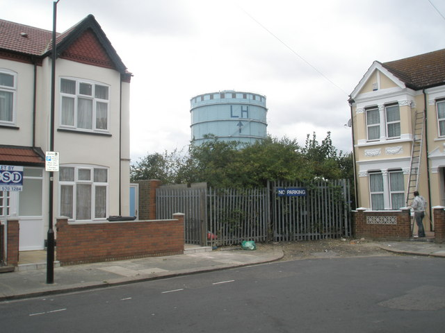 Southall gasometer as seen from Grange Road