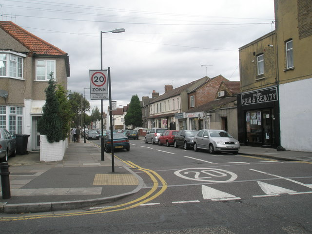 Looking from Beaconsfield Road northwards up Abbotts Road
