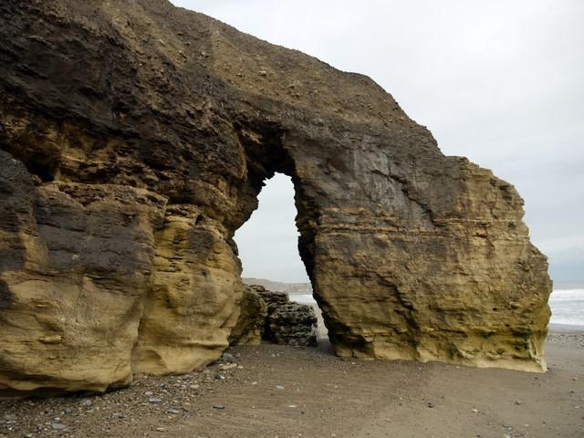 Natural arch, Seaham Beach