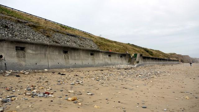 Sea wall, Seaham