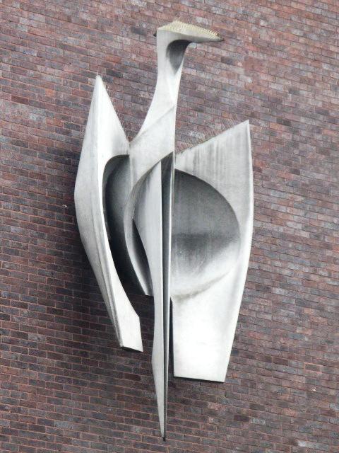 "Modern ""bird"" sculpture, George Street, W1"