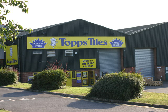 Topps Tiles, Superstore