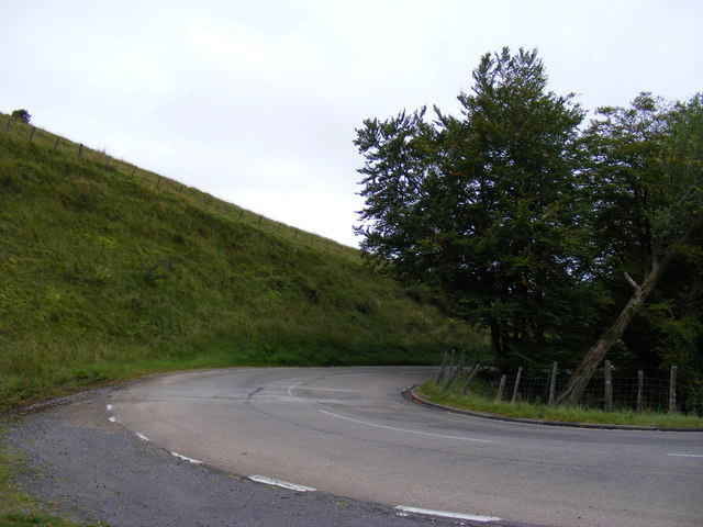 Sharp bend on A686