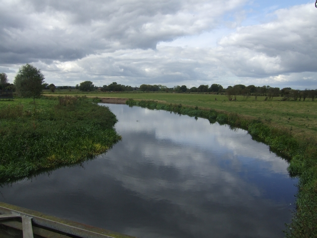 River Trent - upstream at Alrewas