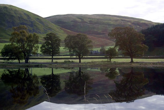 Loch of the Lowes reflection