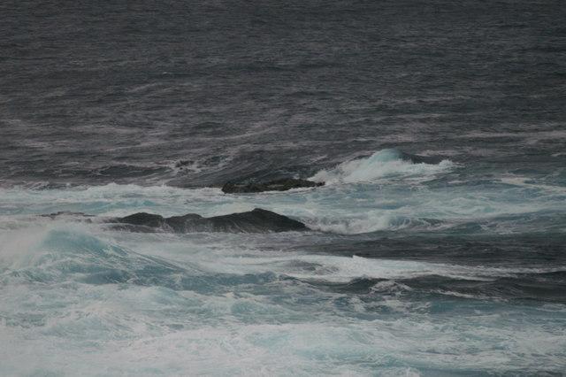 Rocks off Skaw Banks, Lamba Ness