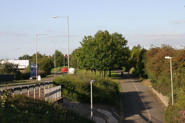 Path located alongside Ninian Way  (1)