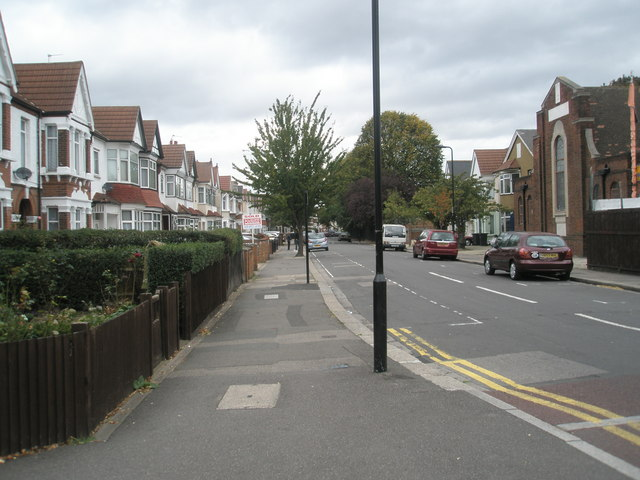 Looking northwards up Villiers Road