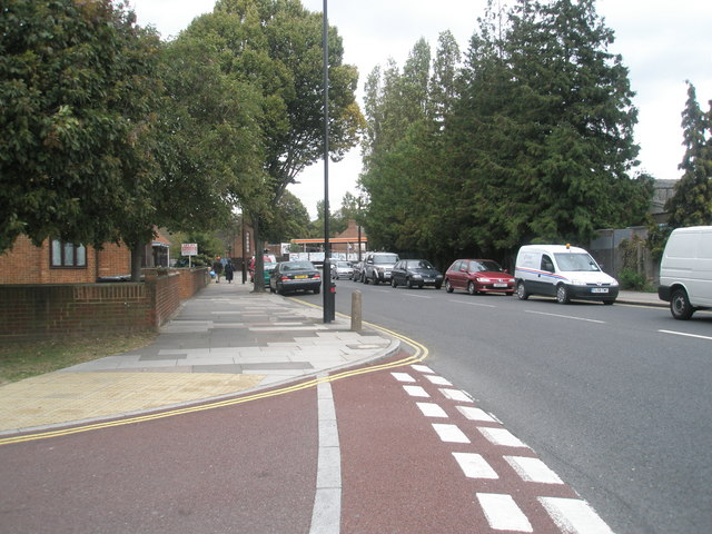 Junction of  Park Avenue and Avenue Road
