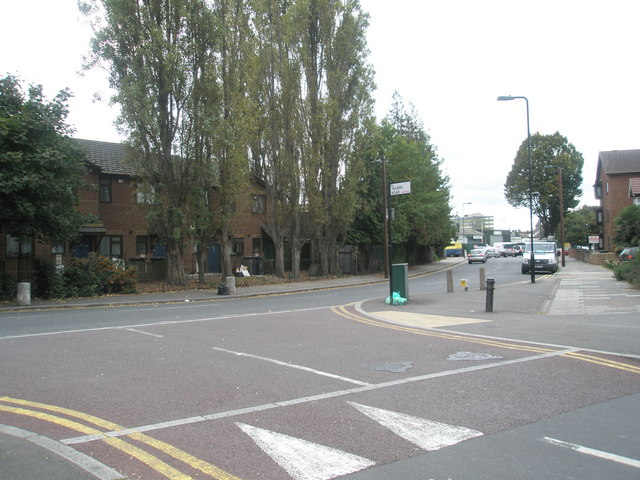 Looking from Villiers Road into Park Avenue