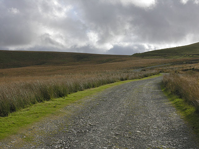 The track to Glanhirin farm