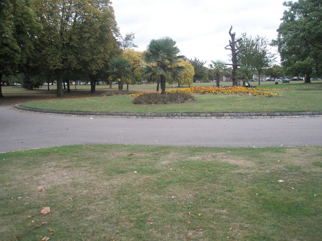 Autumn in Southall Park (6)