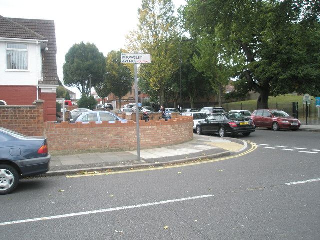 Junction of   Knowsley Avenue and Green Drive