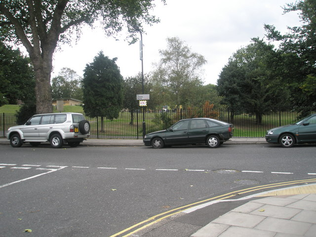 Looking from Knowsley Avenue, across Green Drive into Southall Park