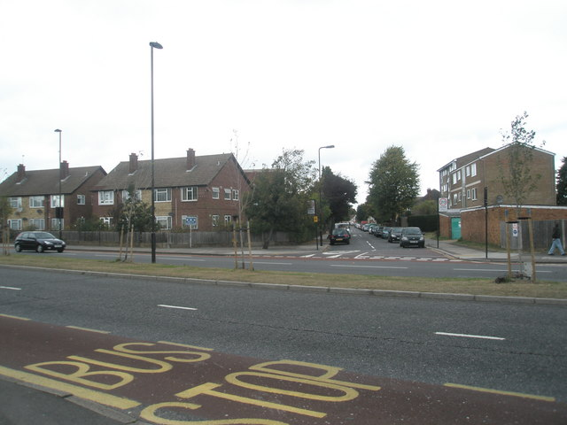 Looking across the Uxbridge Road towards Longford Avenue