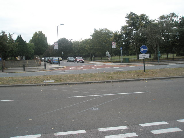 Looking across the Uxbridge Road towards Green Drive