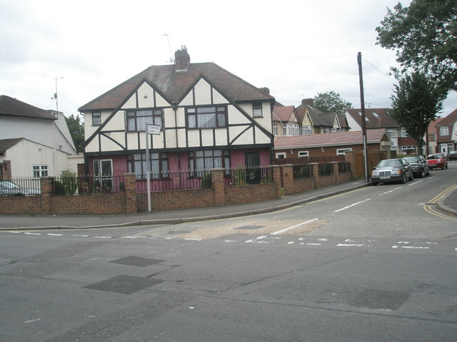 Junction of  Stamford Close and Oakwood Avenue