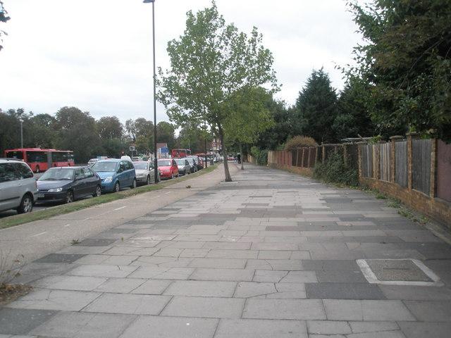 Wide pavement in the Uxbridge Road