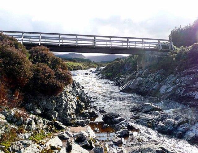 Footbridge over the Feshie