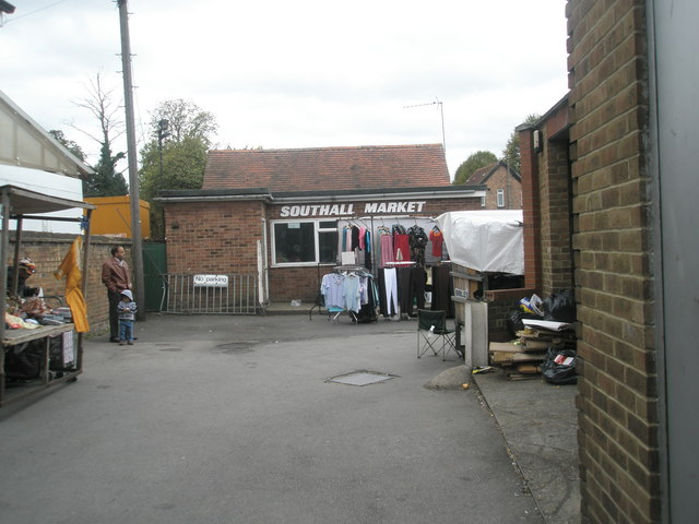 Saturday afternoon in Southall Market (1)