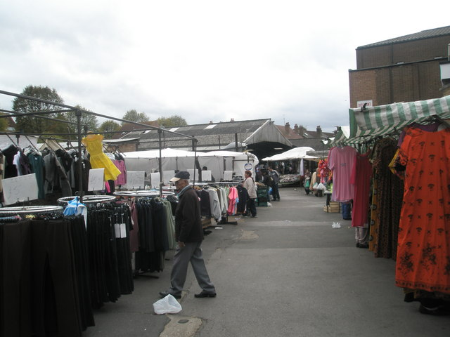Saturday afternoon in Southall Market (2)
