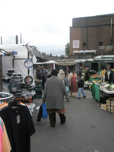 Saturday afternoon in Southall Market (3)