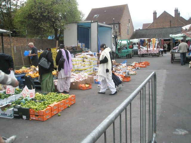 Saturday afternoon in Southall Market (7)