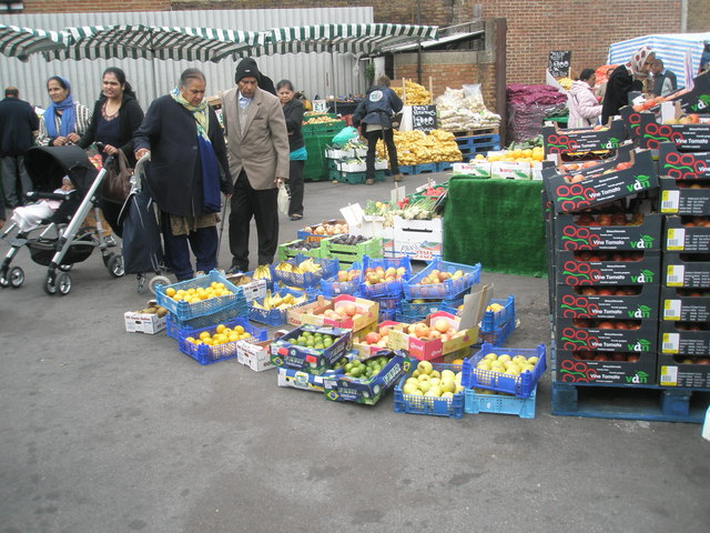 Saturday afternoon in Southall Market (8)