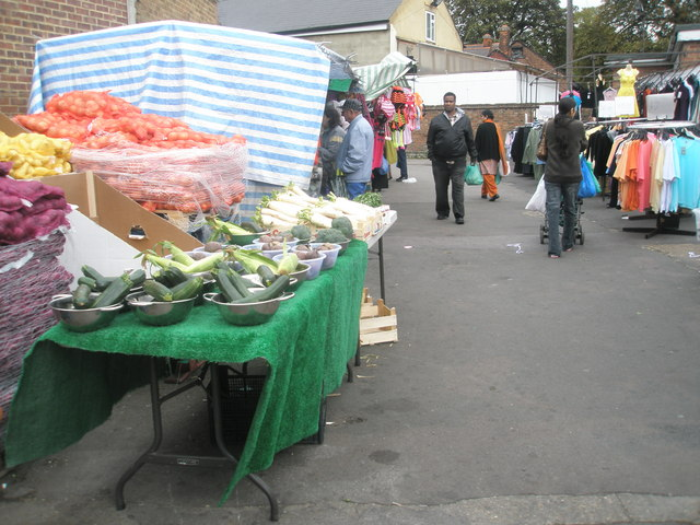 Saturday afternoon in Southall Market (9)