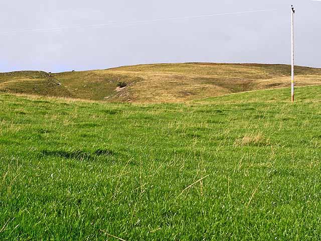 Grassy slopes of Deuchar Hill