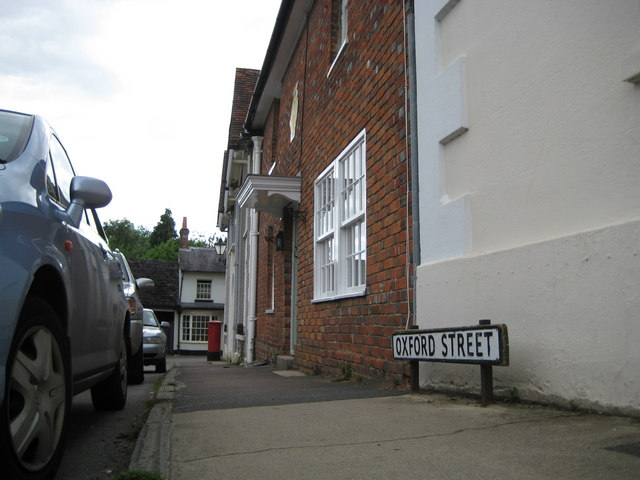 Ramsbury: Oxford Street and a road name plate for dachshunds