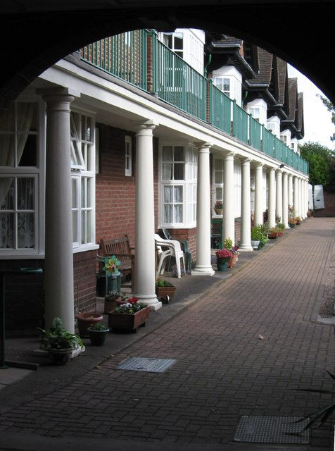 Tamworth - Guy's Almshouses