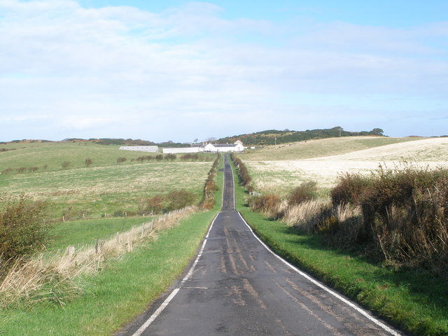Plan Road looking towards Lubas Farm