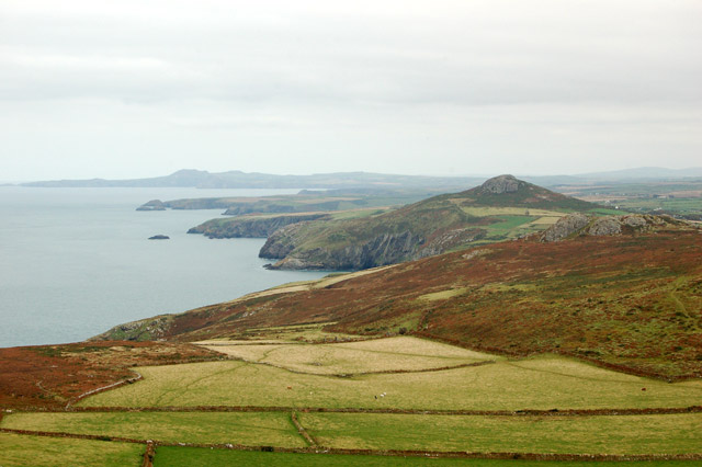 The view northeast from the summit of Carn Llidi