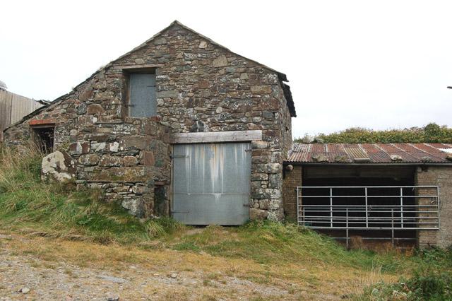 Shed and byre at Upper Porthmawr Farm, Whitesands Bay
