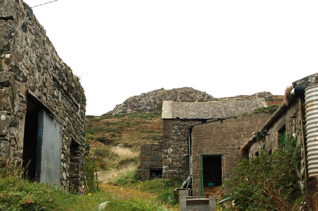 Buildings at Upper Porthmawr Farm, Whitesands Bay (2)