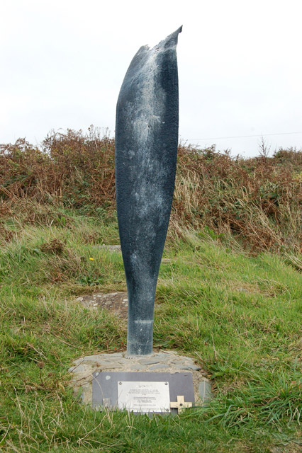 Memorial to airmen at Whitesands Bay