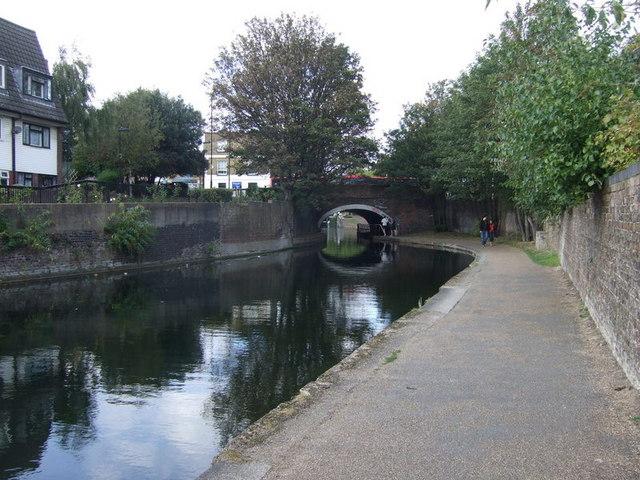 Approaching Globe Bridge on the Regent's Canal