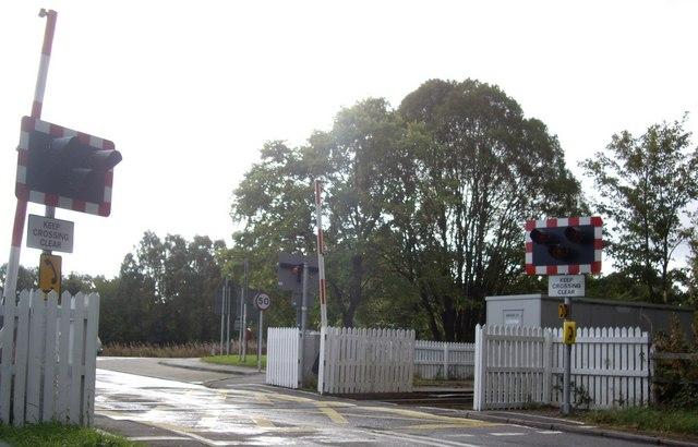 Half-gate level crossing, Brodie