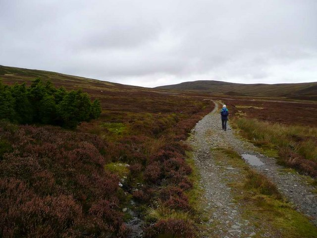 The track up to Beinn Bhreac