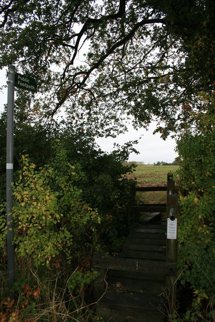 Footpath off the road from Eastleach to Filkins