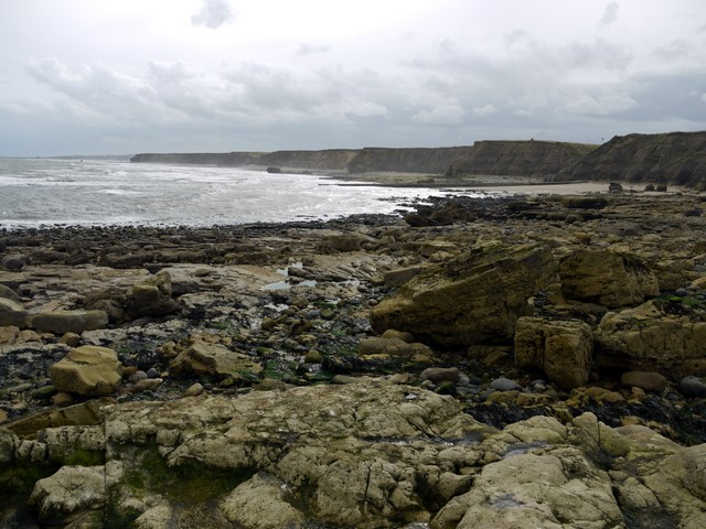 Coastal scenery south of Salterfen Rocks